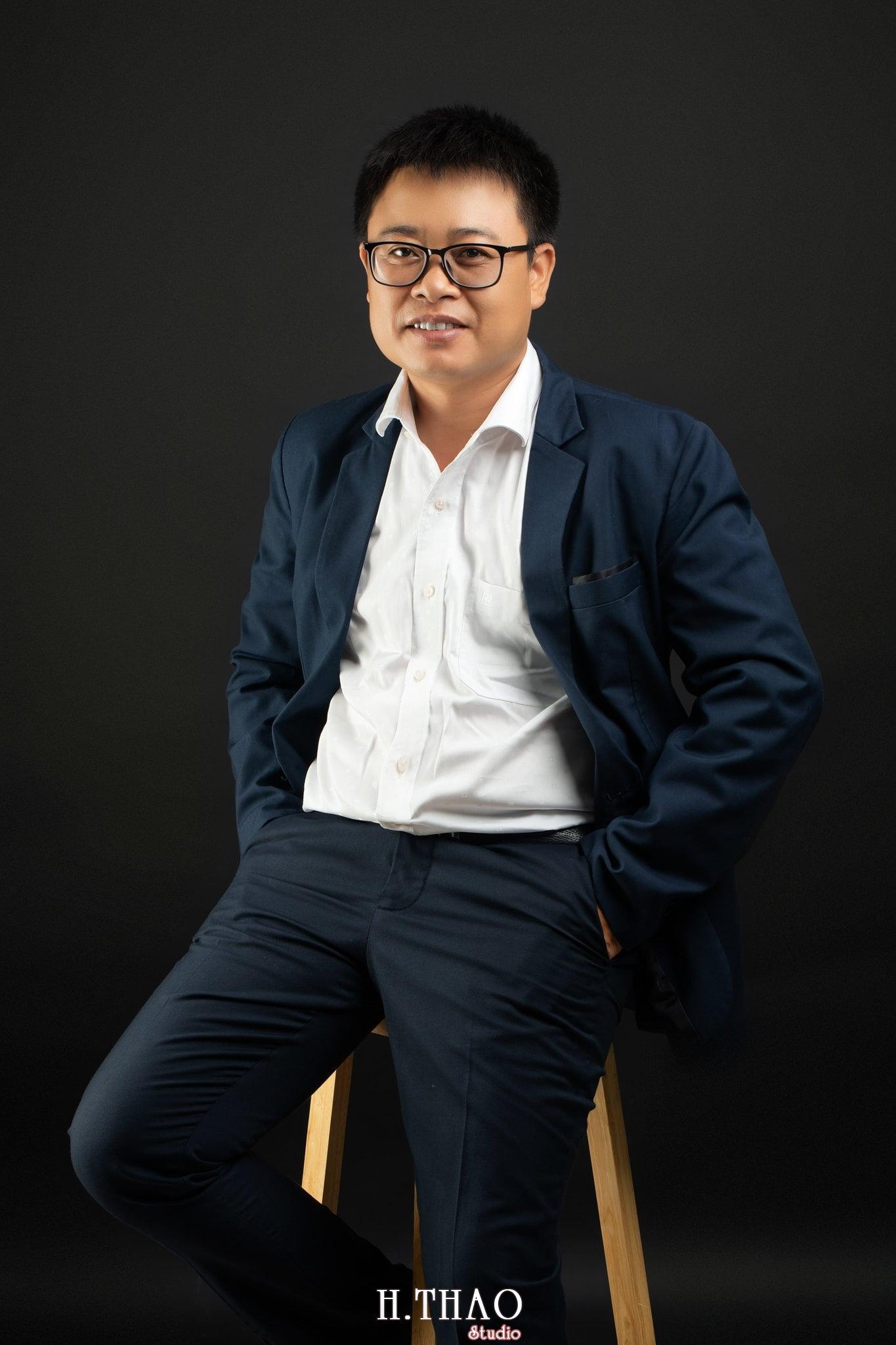 Anh Hoang 13 min - Album ảnh giám đốc Hoàng VIB lịch lãm - HThao Studio