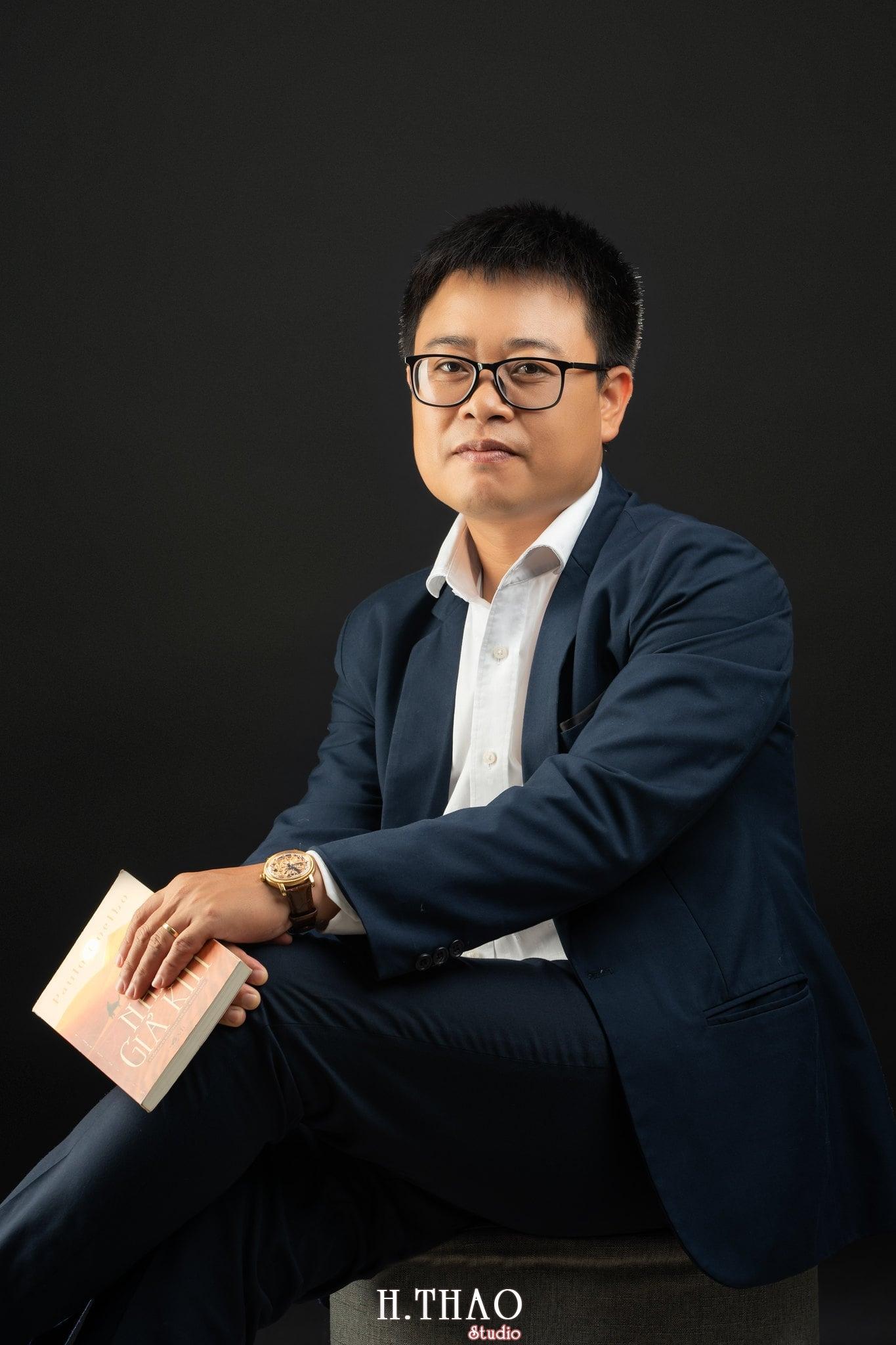 Anh Hoang 2 min - Album ảnh giám đốc Hoàng VIB lịch lãm - HThao Studio