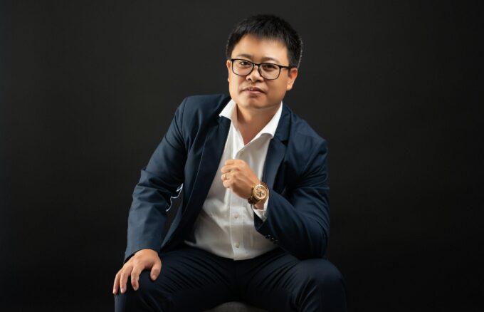 Anh Hoang 3 min 680x438 - Album ảnh giám đốc Hoàng VIB lịch lãm - HThao Studio