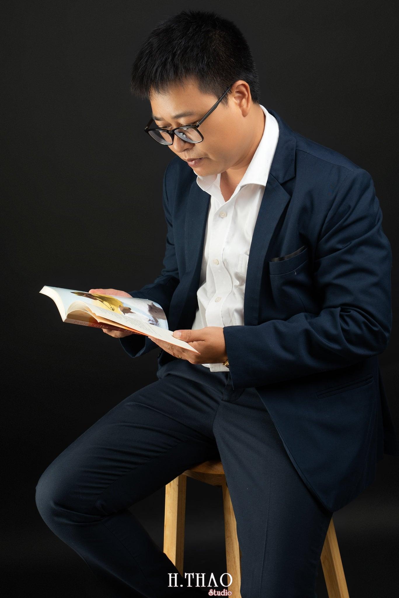 Anh Hoang 5 min - Album ảnh giám đốc Hoàng VIB lịch lãm - HThao Studio