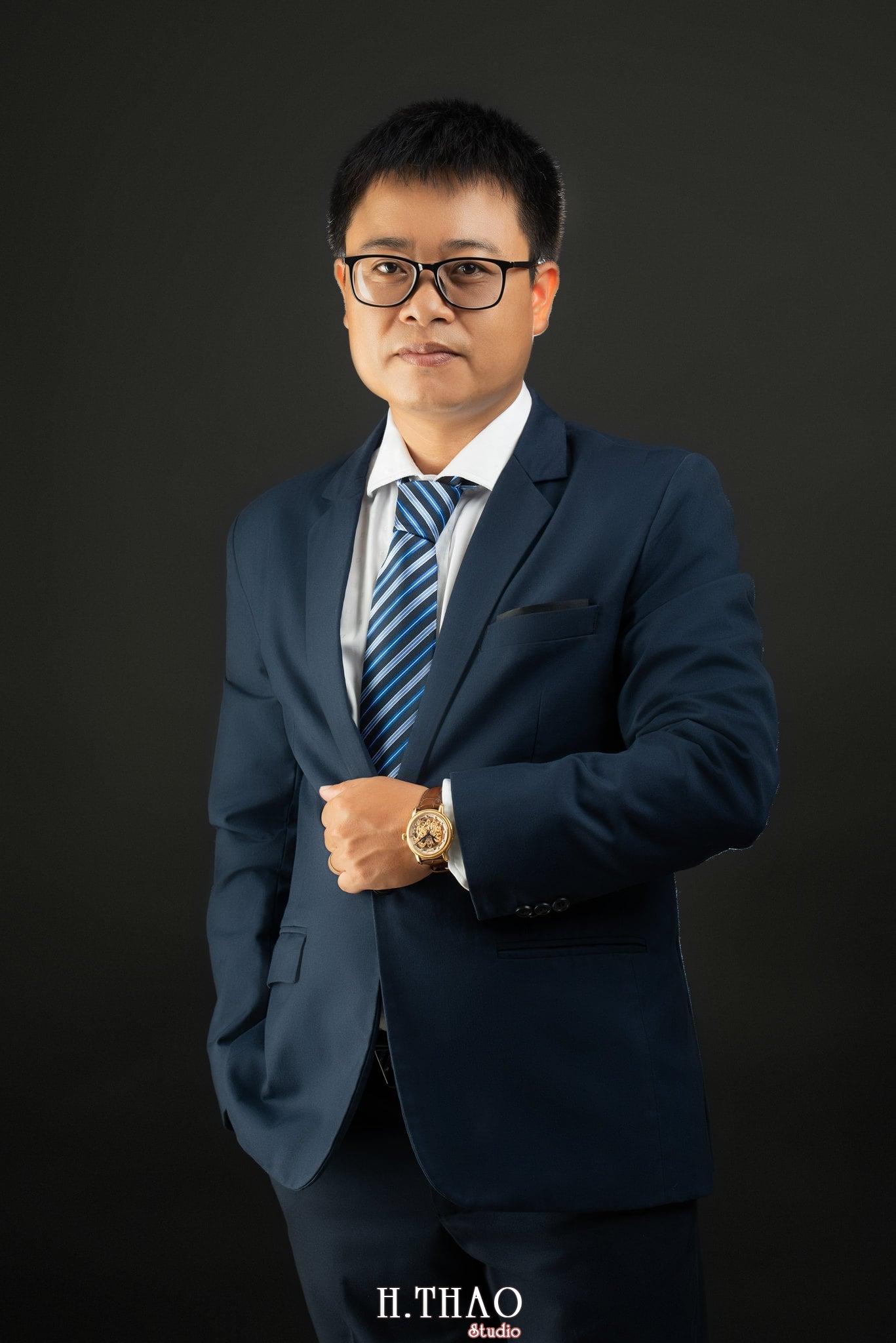 Anh Hoang 9 min - Album ảnh giám đốc Hoàng VIB lịch lãm - HThao Studio
