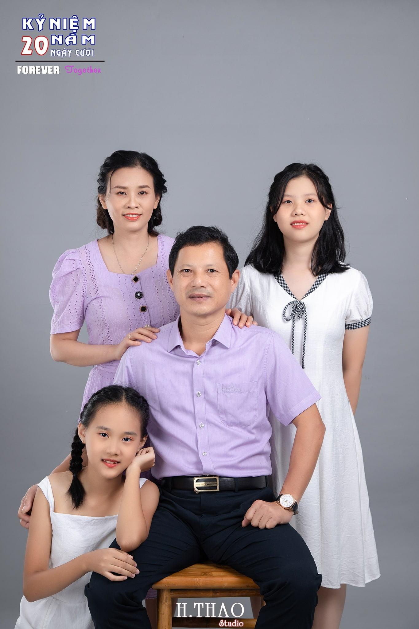 Gia dinh anh Chuong 01 min - Studio chuyên chụp ảnh gia đình đẹp ở Tp.HCM- HThao Studio