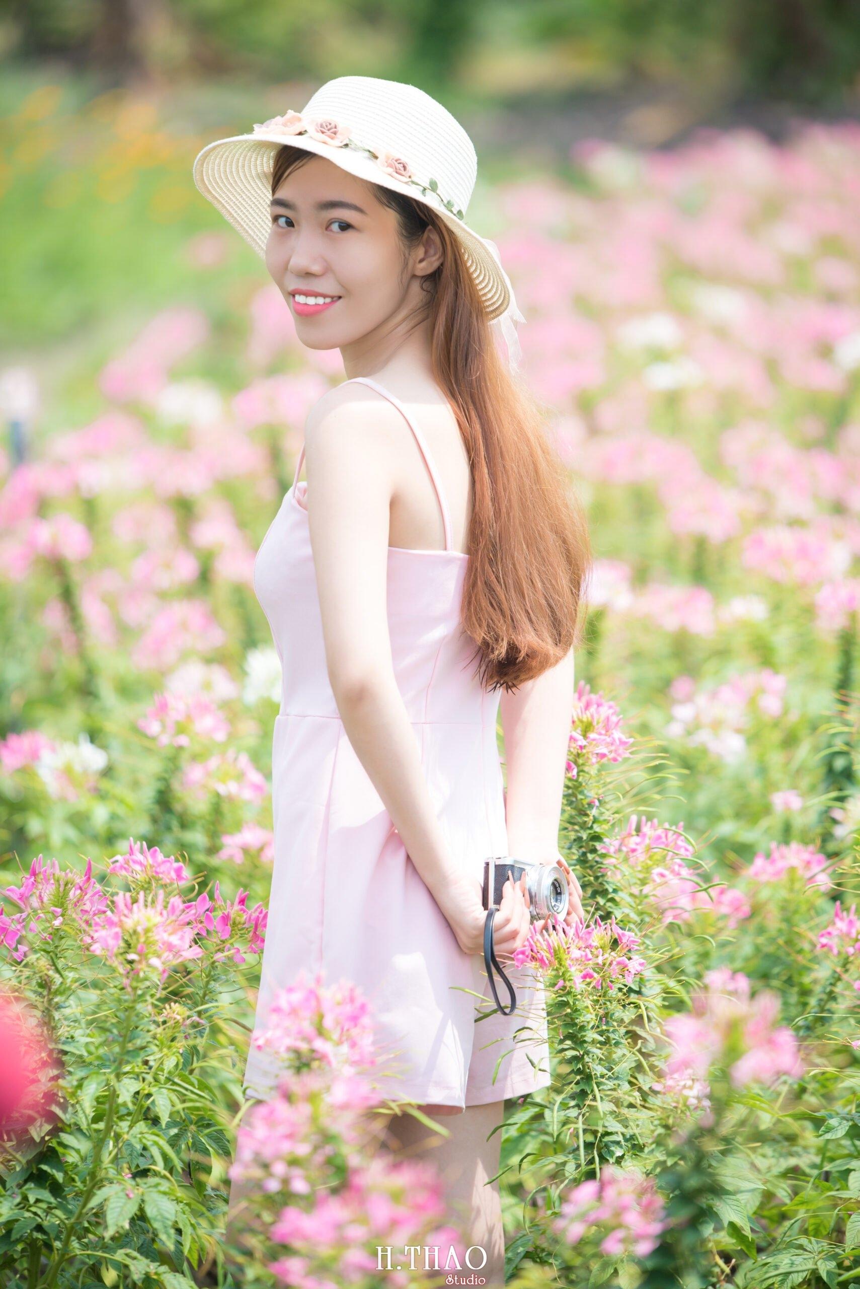 Anh be Mai 11 scaled - Chụp ảnh với hoa hướng dương tuyệt đẹp giữa lòng Sài Gòn