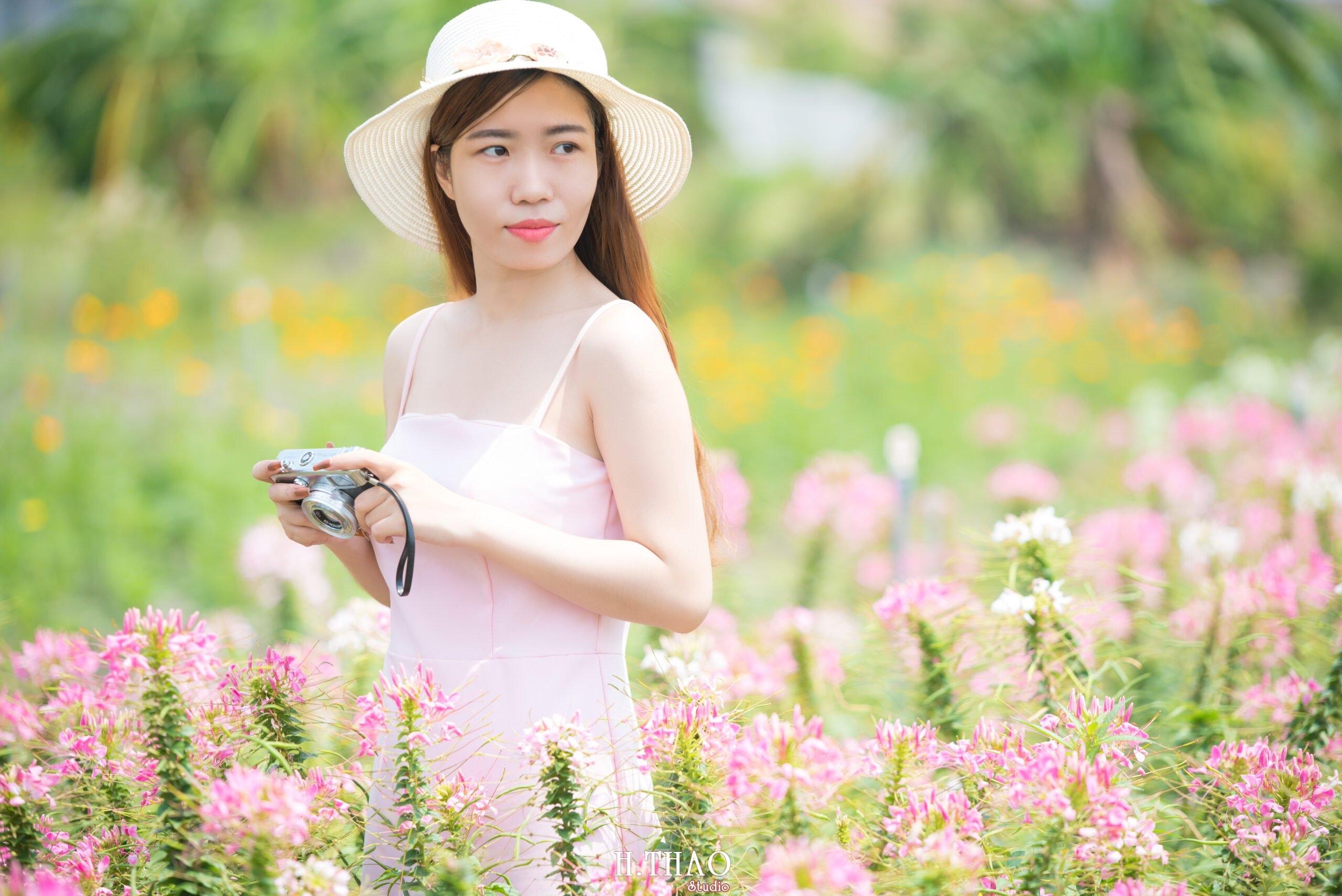 Anh be Mai 13 scaled - Chụp ảnh với hoa hướng dương tuyệt đẹp giữa lòng Sài Gòn