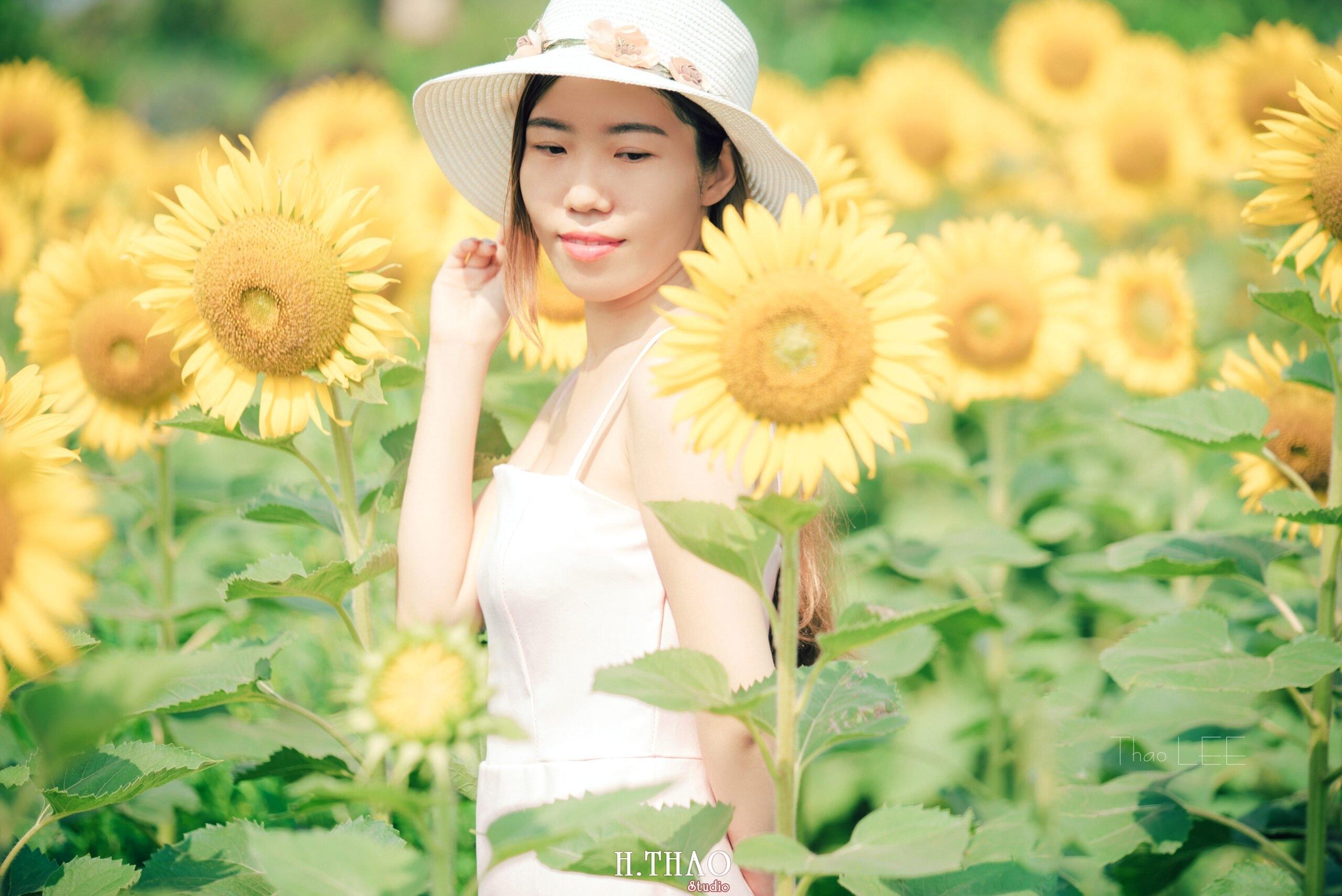 Anh be Mai 5 scaled - Chụp ảnh với hoa hướng dương tuyệt đẹp giữa lòng Sài Gòn