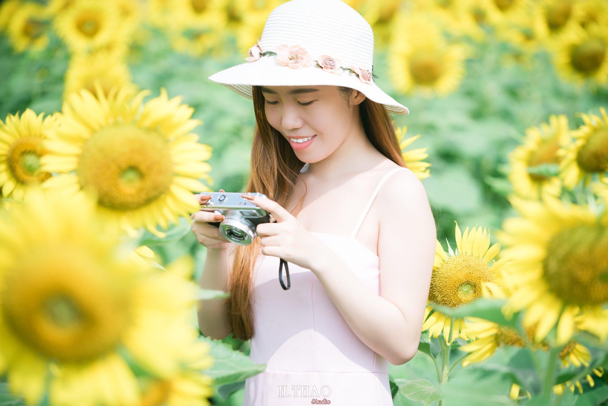Anh be Mai 7 scaled - Chụp ảnh với hoa hướng dương tuyệt đẹp giữa lòng Sài Gòn