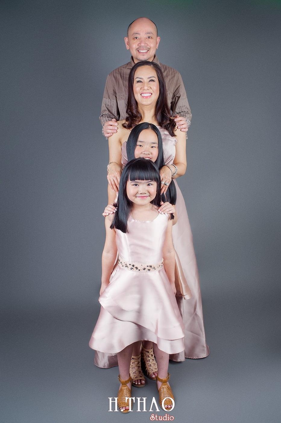 hình chụp gia đình trong studio đẹp