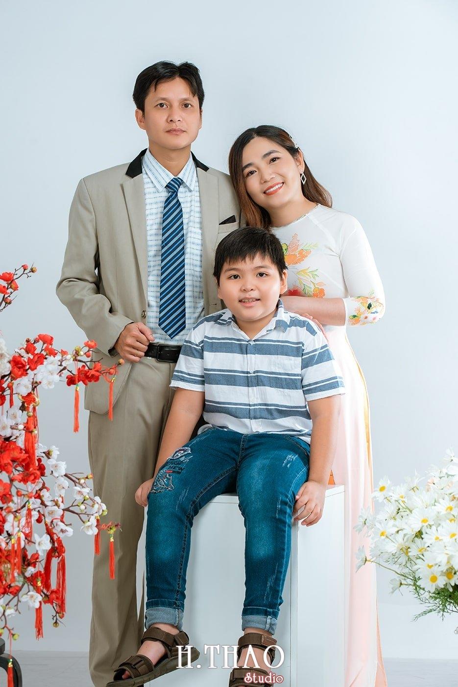 Anh gia dinh - Dịch vụ chụp ảnh kỷ niệm ngày cưới - HThao Studio