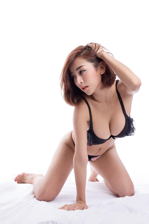 Chup anh goi cam 1 - 39 cách tạo dáng chụp ảnh sexy gợi cảm nhất hiện nay- HThao Studio